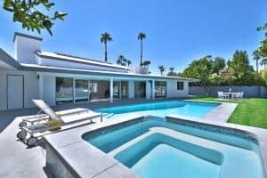 Indian_Wells_Realtor-Scott_and_Jim_Desert_Homes-pool